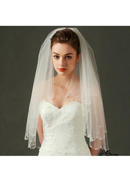 Beige yarn, metal hair, comb, veil, hand-stitched beads Wedding Veil T901554101062